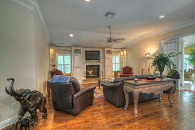 15_Living room area