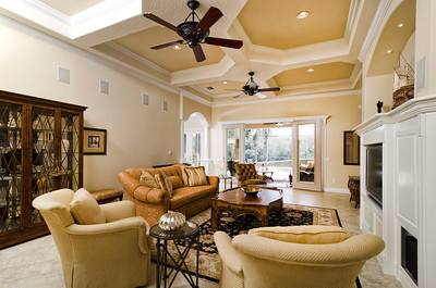 7-Living RM view frm front entrance