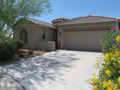 ATTENTION SNOWBIRDS! Are you heading to ARIZONA? Check out this property!