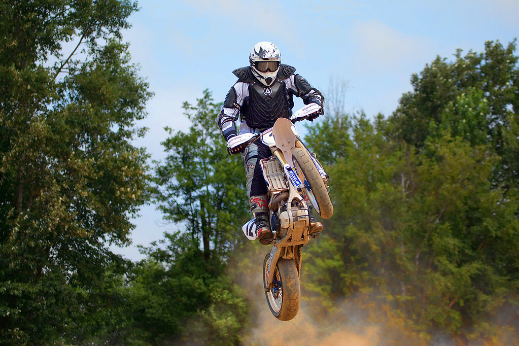 Norm Olnyuk grabs air at the Supermoto 5 races