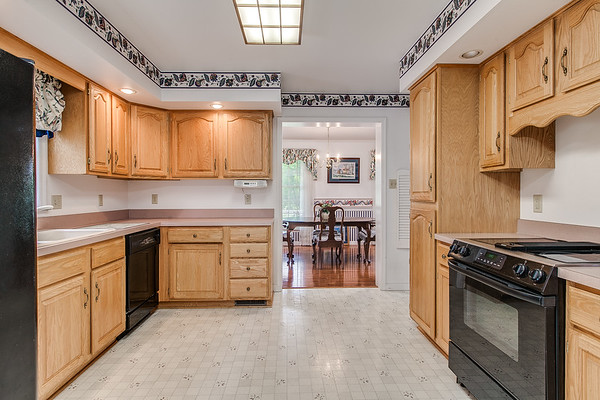 3926 Valley View-2420