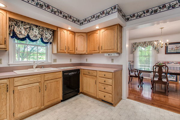 3926 Valley View-2421
