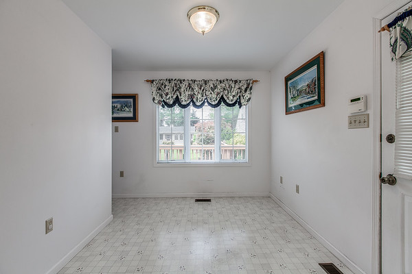3926 Valley View-2424