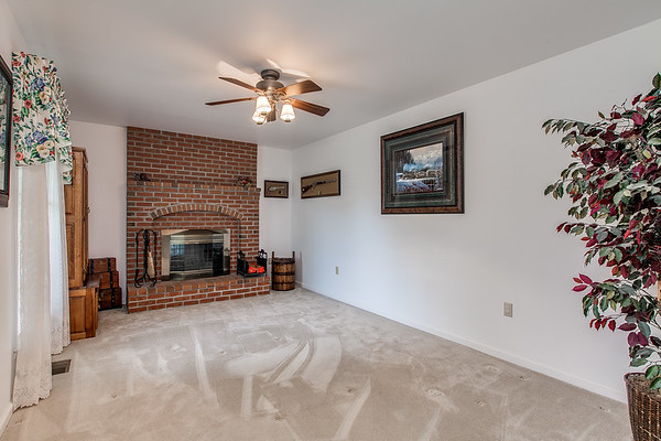 3926 Valley View-2428