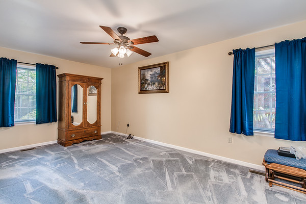 3926 Valley View-2433