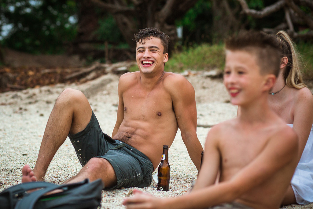 166-b-r-conchal-beach-costa-rica-family-photography