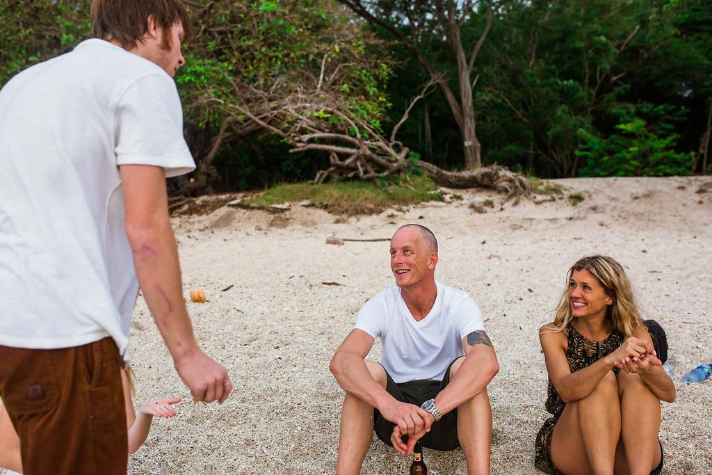 143-b-r-conchal-beach-costa-rica-family-photography