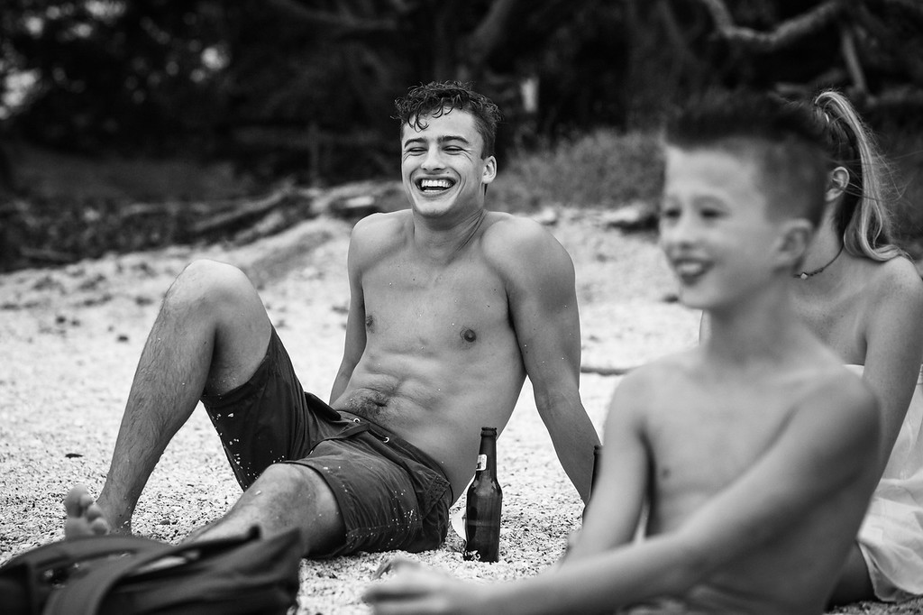 166-b-r-conchal-beach-costa-rica-family-photographybw