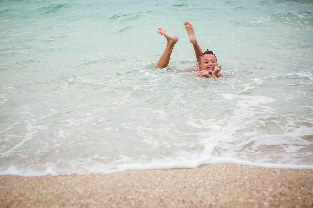 175-b-r-conchal-beach-costa-rica-family-photography