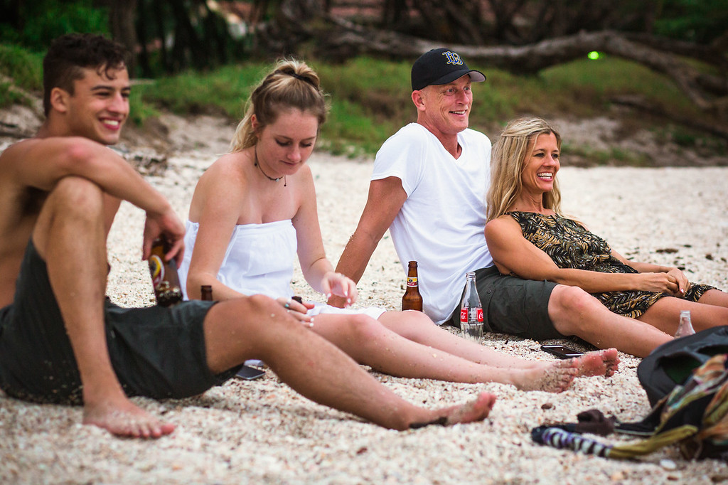 174-b-r-conchal-beach-costa-rica-family-photography