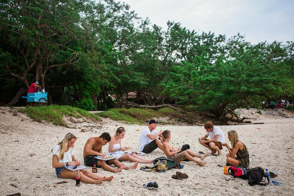 159-b-r-conchal-beach-costa-rica-family-photography