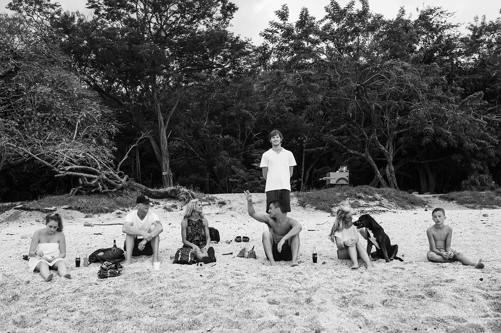 152-b-r-conchal-beach-costa-rica-family-photographybw