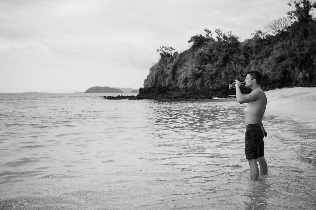 147-b-r-conchal-beach-costa-rica-family-photographybw