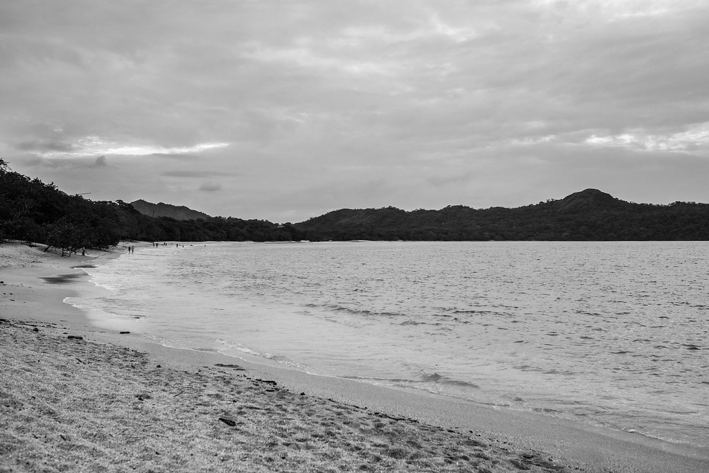 162-b-r-conchal-beach-costa-rica-family-photographybw
