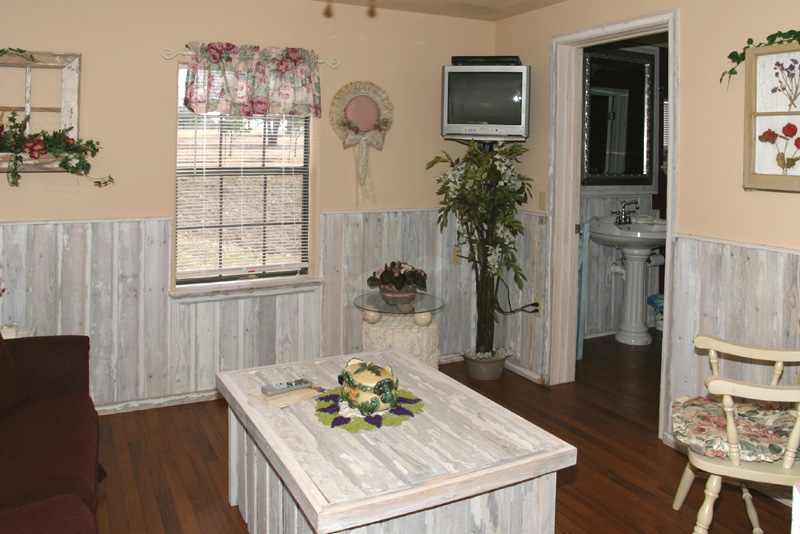 """Taken with my Tamron 17-35 f/2.8-4 Lens. """"The Cottage"""" Another view of the Livingroom."""