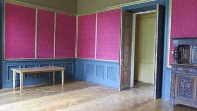 Traku Voke/Catherines apartment dressing room