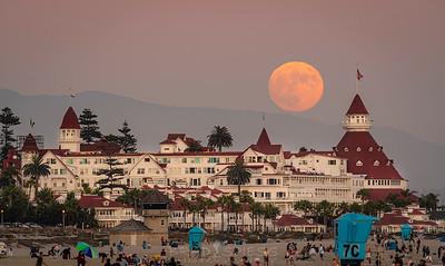 Del Coronado Moonrise