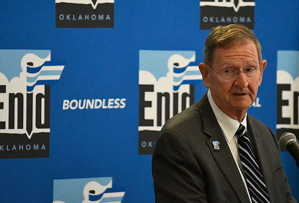 Enid Mayor Bill Shewey during his State of the City address Thursday May 18, 2017 at the Central National Bank Center. (Billy Hefton / Enid News & Eagle)