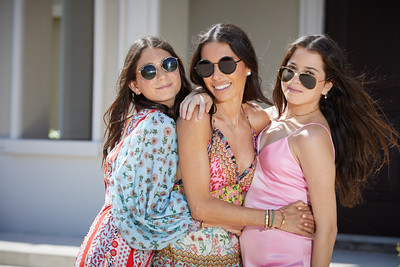 © 2020 LILA PHOTO, Alice + Olivia, Tanya Zuckerbrot, Mother's Day, Mother Daughter Portraits