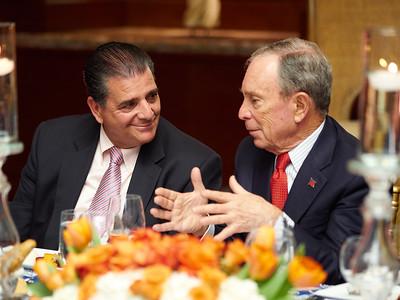 Bloomberg_AG_090