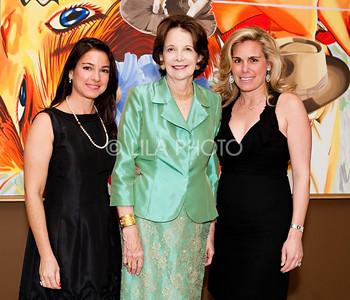 L-R: Vernissage Chairwomen: Annie Falk, Annie Soter, Tricia Callahan Keitel