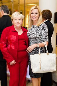 Deborah Peotrangelo, Pauline Hartogh
