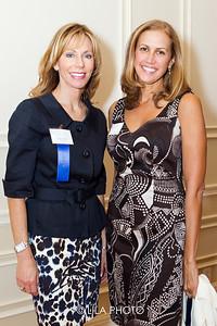 Patricia Travis, Laura Calenberg
