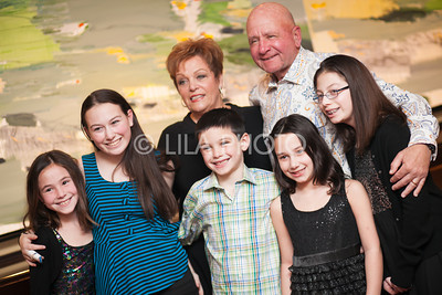 Ronnie & Ira Levine with grandchildren