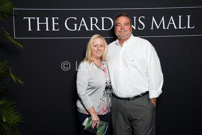 Sarah & Pat Green