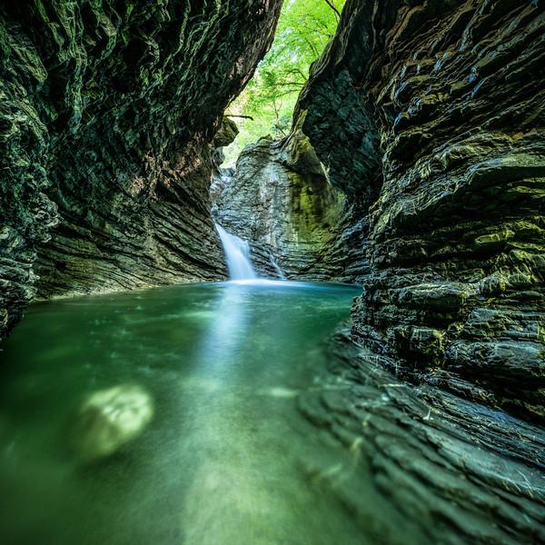 Frödischschlucht mit Wasserfall