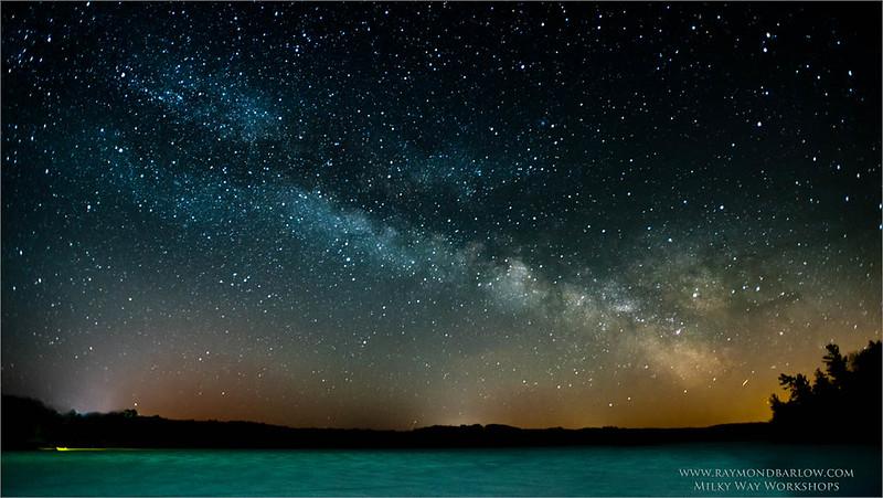 Milky Way Workshops<br /> <br /> ray@raymondbarlow.com<br /> Nikon D810 ,Nikkor 17-35mm f/2.8D ED-IF AF-S<br /> 30s f/2.8 at 17.0mm iso1000