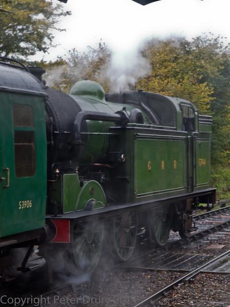 30 Oct 2011 Gresley NER tank loco 1744 departs Ropley for Alresford.