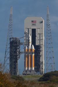 Delta IV Heavy w/ Orion Spacecraft awaits launch