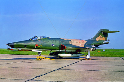 RF-101 00002 A static McDonnell RF-101C Voodoo USAF supersonic jet recon aircraft 60058 66 TRW U Heyford 6-1969 military airplane picture by Stephen W  D  Wolf     853_2891     DoneWT