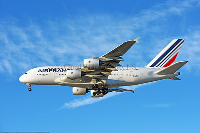 A380 00288 An Airbus A380, world's largest two deck jet airliner, Air France F-HPJC, landing at LAX 11-2017, jet airliner picture by Carl E  Porter     DONEwt