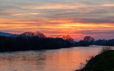 Sunset over the Suir upstream from Carrick
