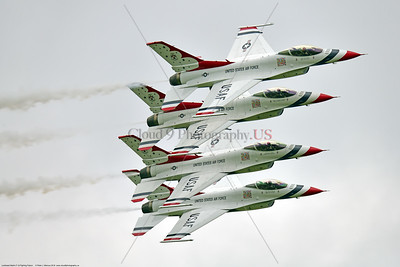 TB-F-16 0104 Four of the USAF's Thunderbirds' make an impressive tight formation banking low pass at the 2018 Thunder Over Michigan Airshow, military aviation photography by Peter J  Mancus     851_0008     DWT