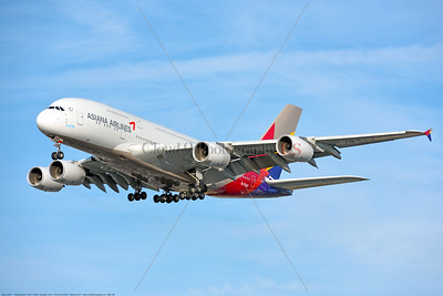 A380 00298 An Airbus A380-800, world's largest two deck jet airliner, Asiana Airline HL 7640, landing at LAX 11-2017, jet airliner picture by Carl E  Porter     DONEwt
