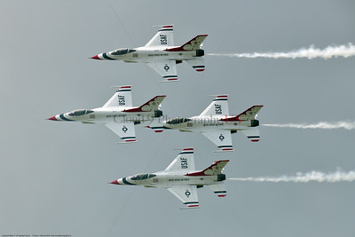 TB-F-16 00168 The USAF Thunderbird F-16 Fighting Falcon diamond fly past crowd pleasure at the 2018 Thunderbird Over Michigan airshow, military aviation photography by Peter J  Mancus     851_3166     DWT