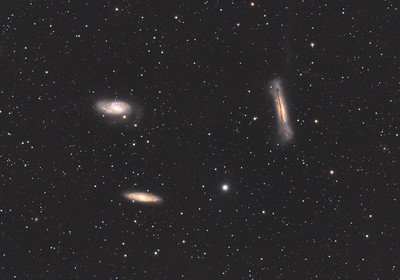 Galaxy triplet in Leo