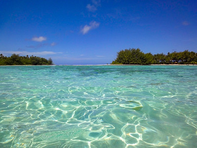 Fabulous tropical waters of Muri Lagoon at Rarotonga in the Cook islands
