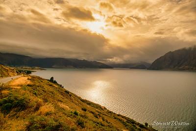 Cloudy moody overcast morning at lake Hawea
