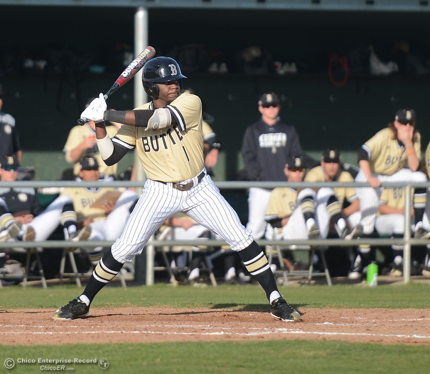. Butte\'s Demond Smith up to bat during Butt\'es game against Folsom at Butte College, Saturday, January 27, 2018, in Chico, California. (Carin Dorghalli -- Enterprise-Record)