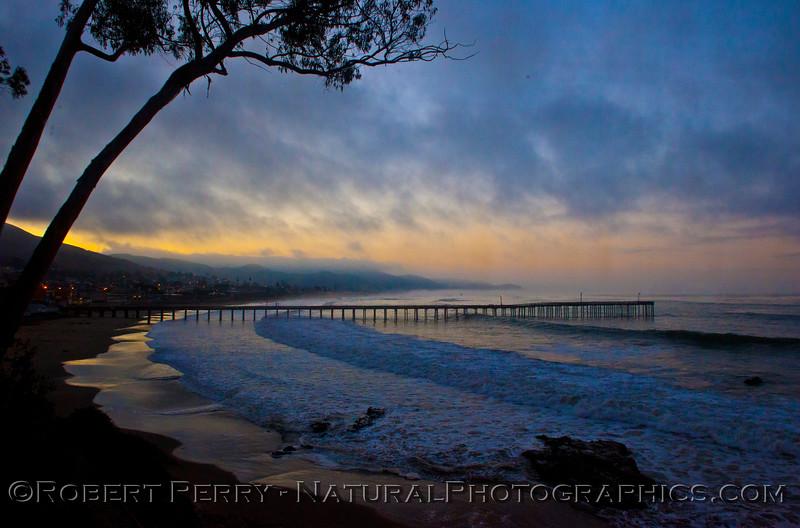 Dawn, fog - Cayucos Pier