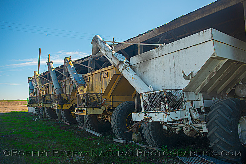 farm harvesting equipment in storage 2021 02-04 Staten Isl-b-003
