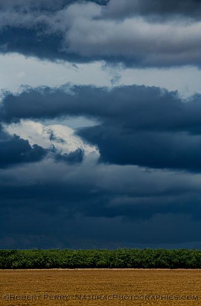storm clouds 2021 04-25 Colusa Cnty BIG FILE-d-010