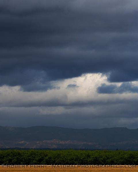 storm clouds 2021 04-25 Colusa Cnty-d-014