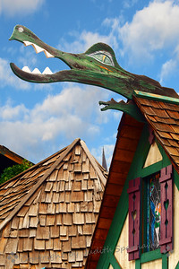 Dragon on the Roof - Judith Sparhawk