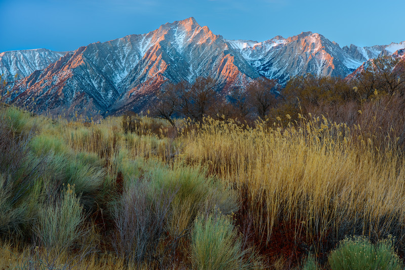 Sunrise at Moffat Ranch Lights the Sierras