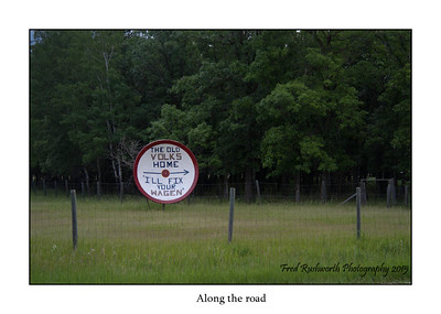 One of the pleasures of a cross country trip along the back roads is variety of unique sights.  And after all - what do you do with a 30 yer old satellite dish?